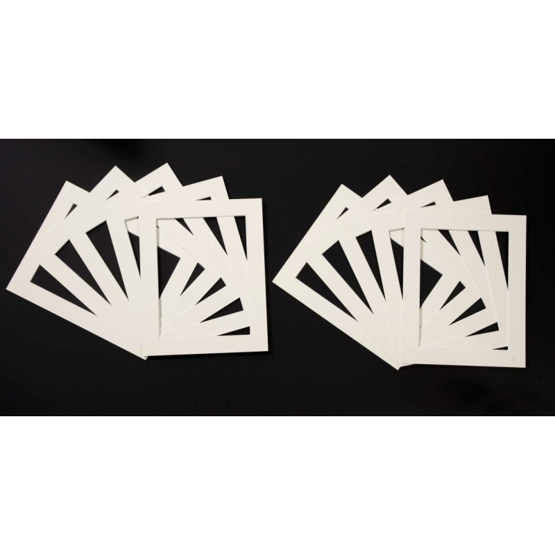 Pack of 25 Cream Picture Mounts (Metric Sizes)